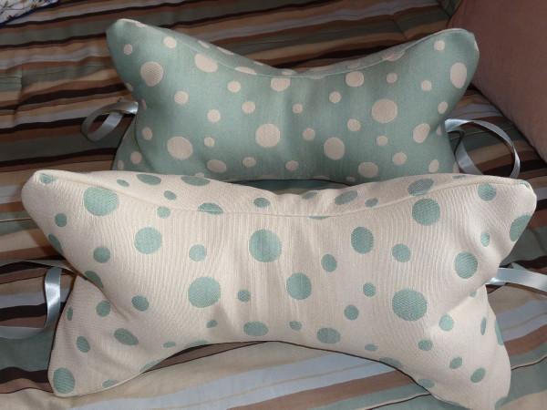 Ahhhhhh & Relaxing neck pillows « Best Fabric Store Blog pillowsntoast.com