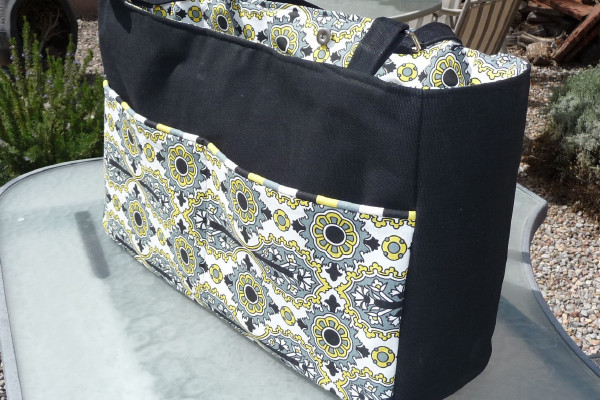 Diaper bag with a divider - Best Fabric Store Blog