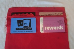 Loyalty/credit card holder – pleated method