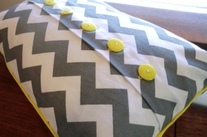 button pillow 034